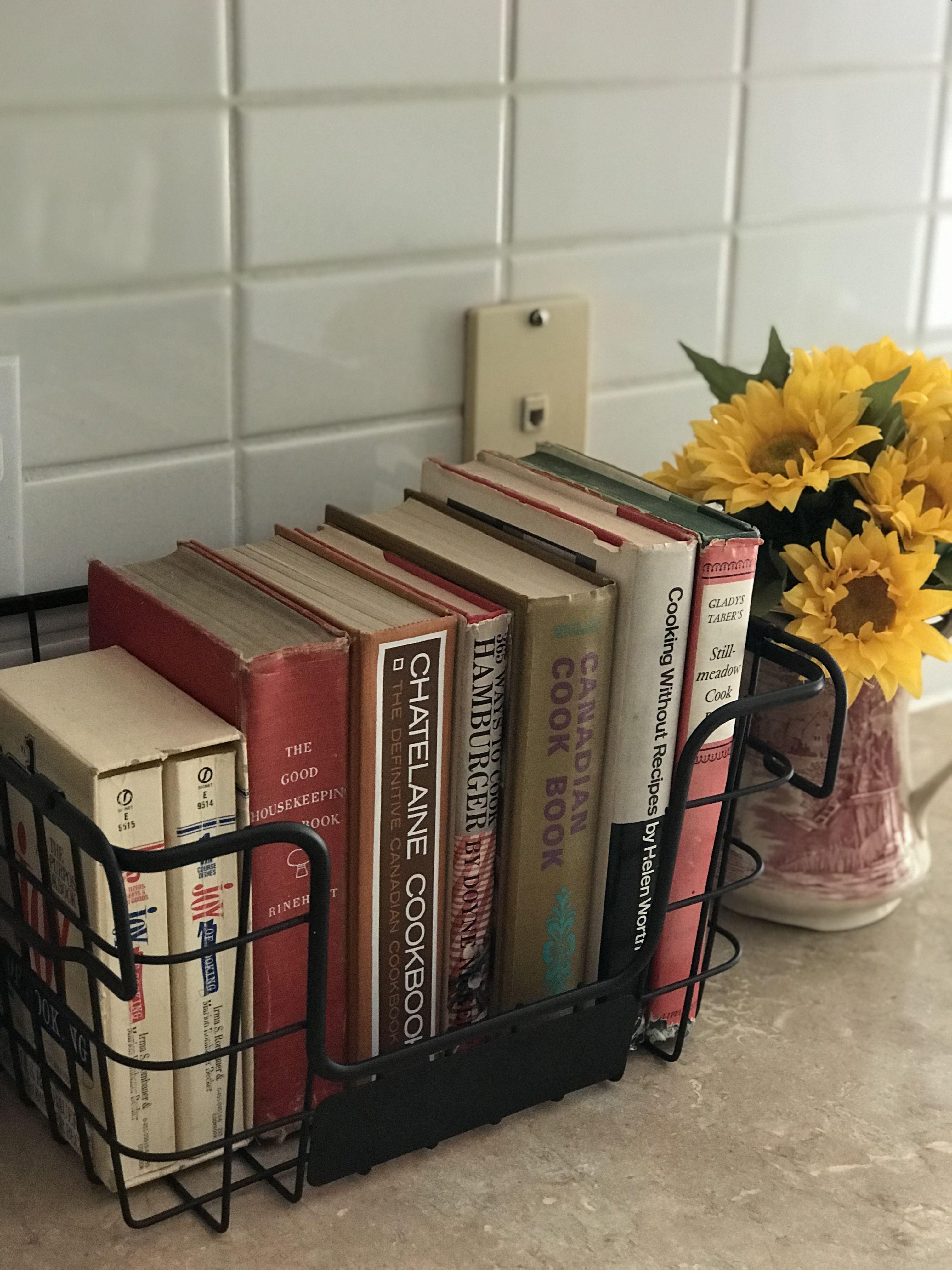 How To Display Vintage Cookbooks On Counter Top Kitchen Cookbook Display Cookbook Display Kitchen Display