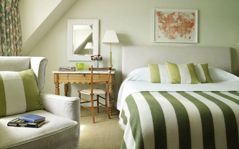 Colore Parete Camera Da Letto Verde : Bzcasa magazine mag bzcasa ambienti camera da letto
