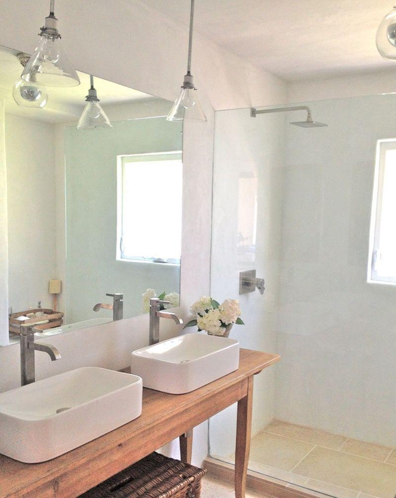 Creative Ways To Decorate Your Farmhouse Bathroom Plaster Walls - Farmhouse bathroom light fixtures for bathroom decor ideas