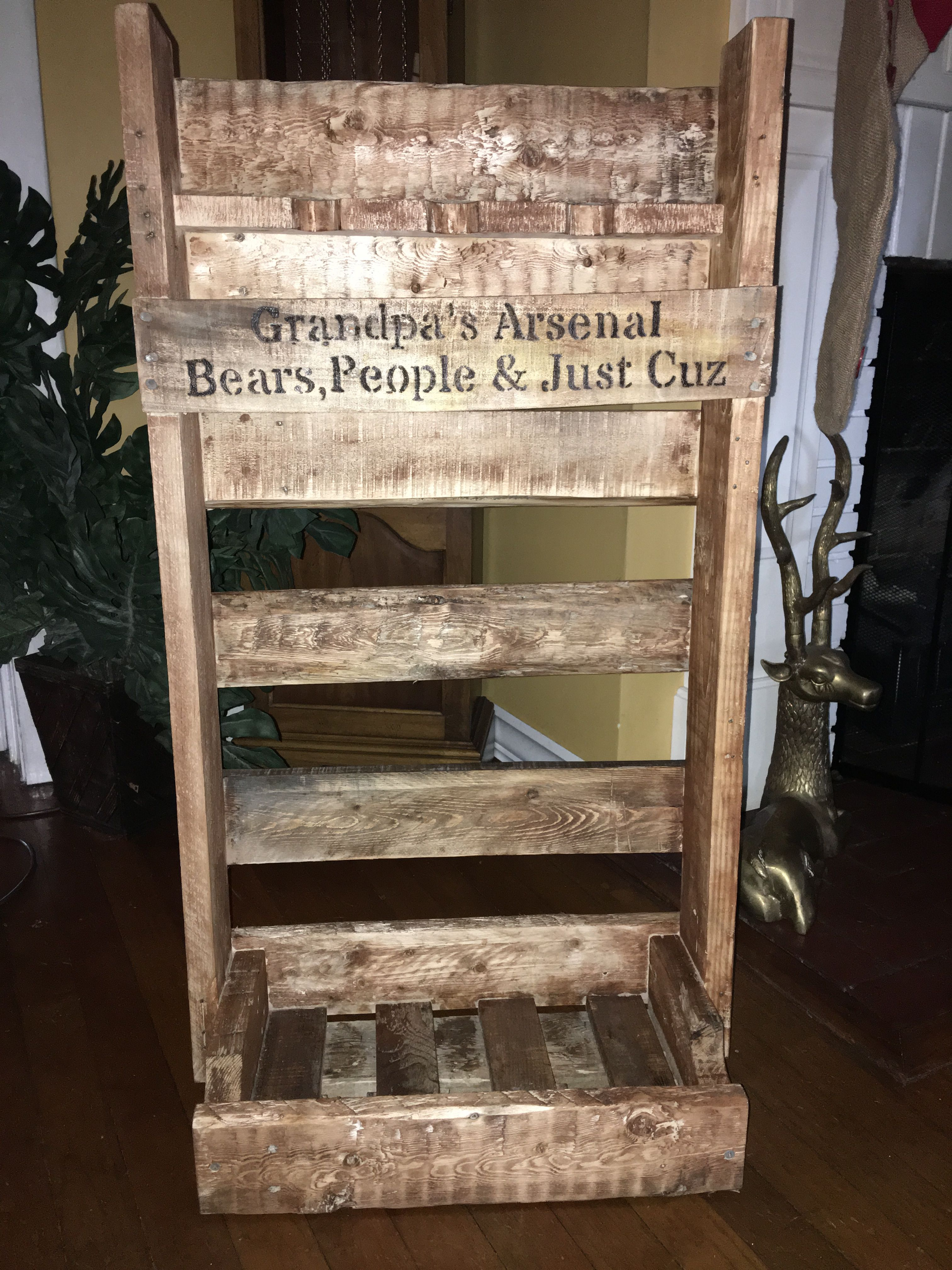 Made This Gun Rack For Grandpa Out Of Pallets Woods Ii Pallet