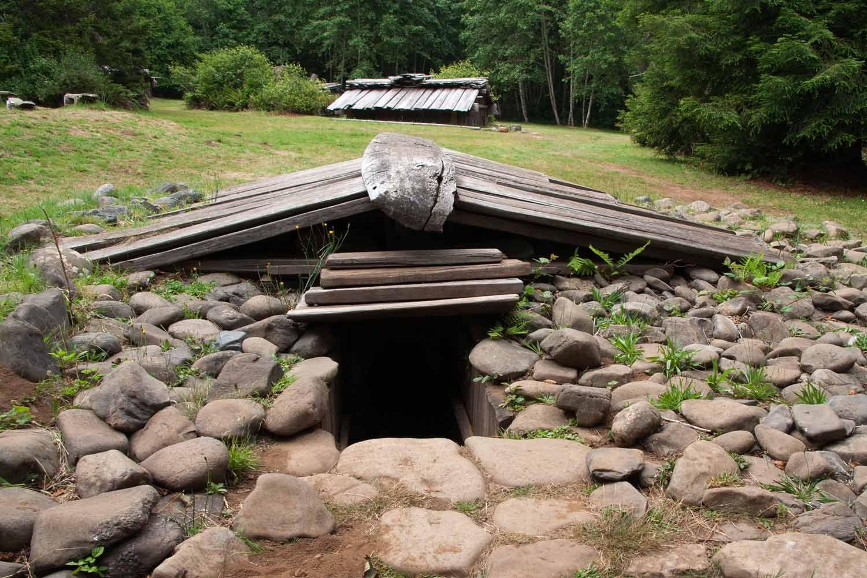 Participate In A Sweat Lodge Ceremony Sweat Lodge Cottage Inspiration Underground Living Backyard diy sweat lodge