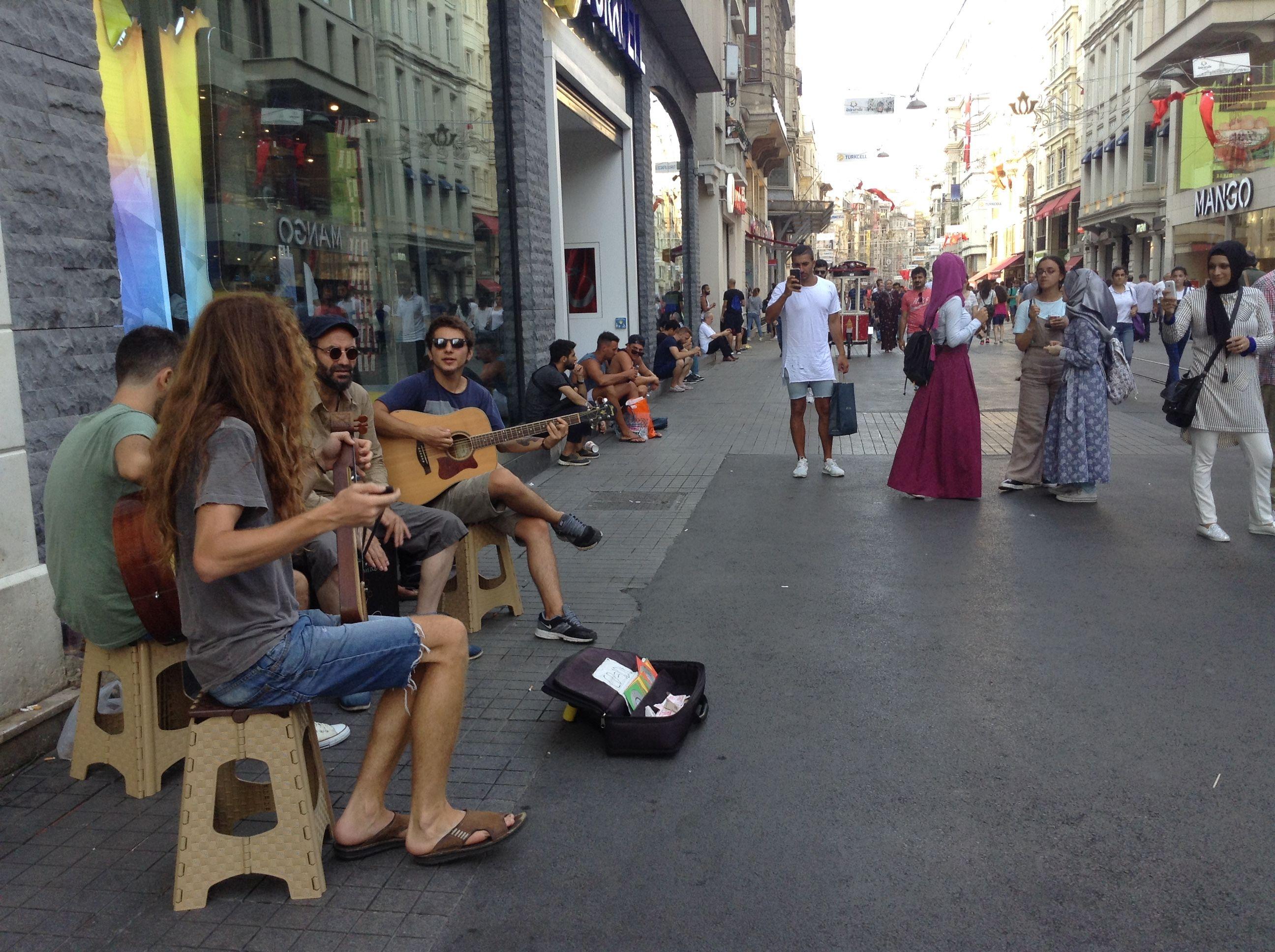 street musicians, turkey, istanbul