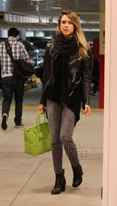 Jessica Alba wears Current/Elliot star print jeans while shopping at Target.