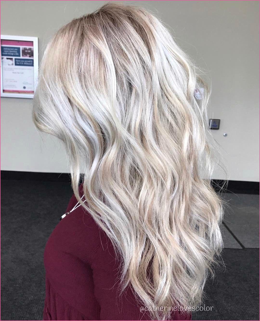 Blonder Bob Mit Pony In 2020 Haarfarben Haare Blond Farben Bunte Haare