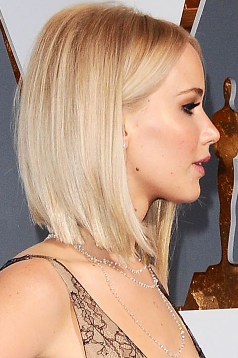 Jennifer Lawrence Works A Sharp Icy Blonde Bob At The Oscars, 2016
