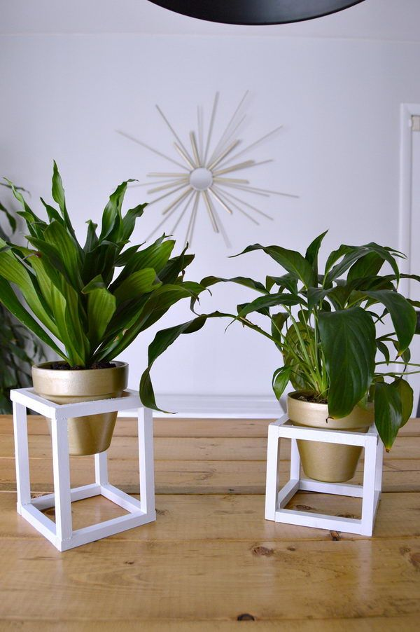 25+ DIY Plant Stands With Thrift Store Finds 2017