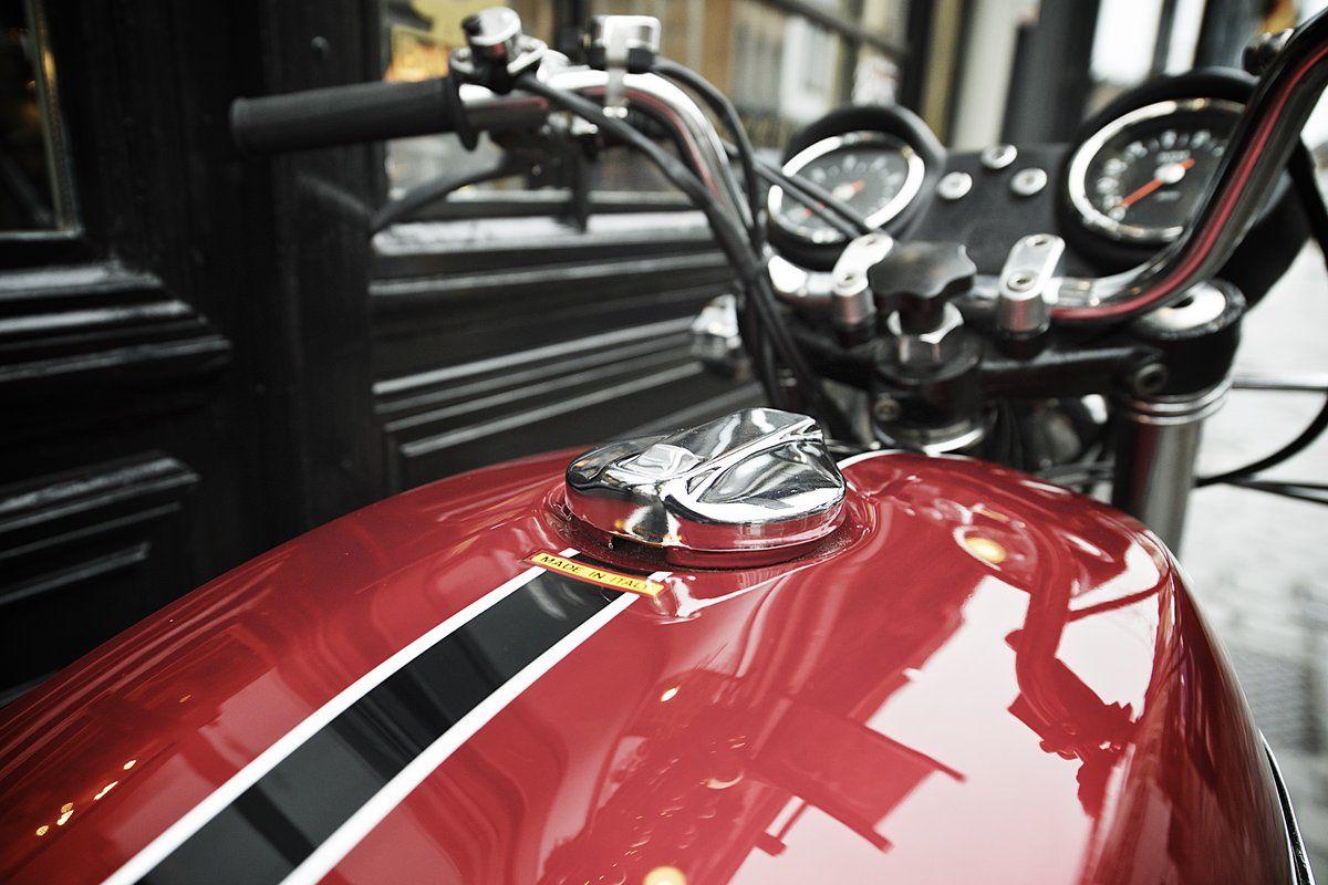 Ducati 750 gt 1973 vendre chez legend motors lille