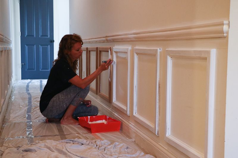 Diy Chair Rail Panel Moulding Sincerely Sara D Home Decor Diy Projects Dining Room Chair Rail Diy Chair Panel Moulding