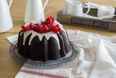 La chica de la casa de caramelo: Bundt cake de chocolate intenso con glaseado crujiente