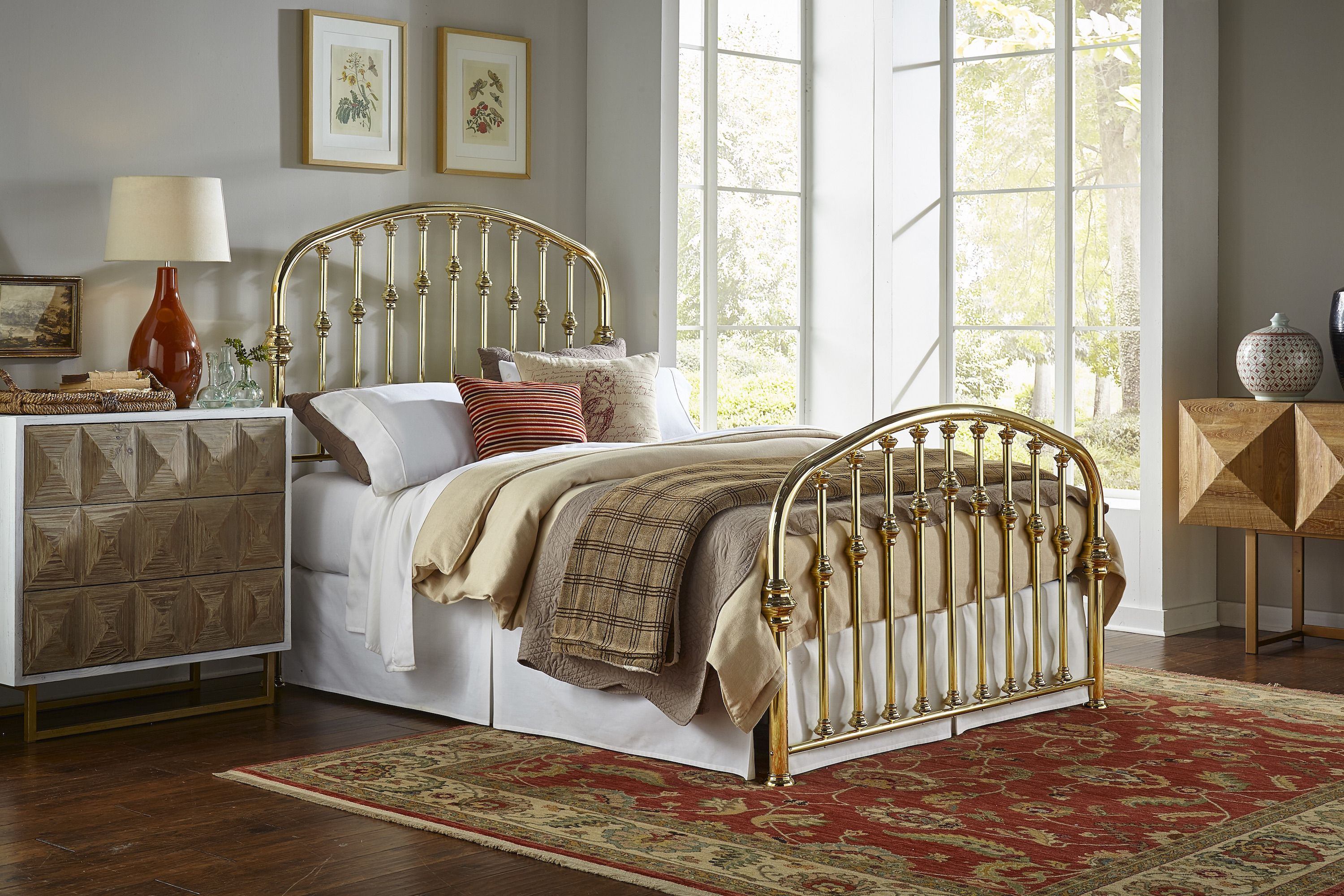 Arched headboard and footboard solid brass bed with