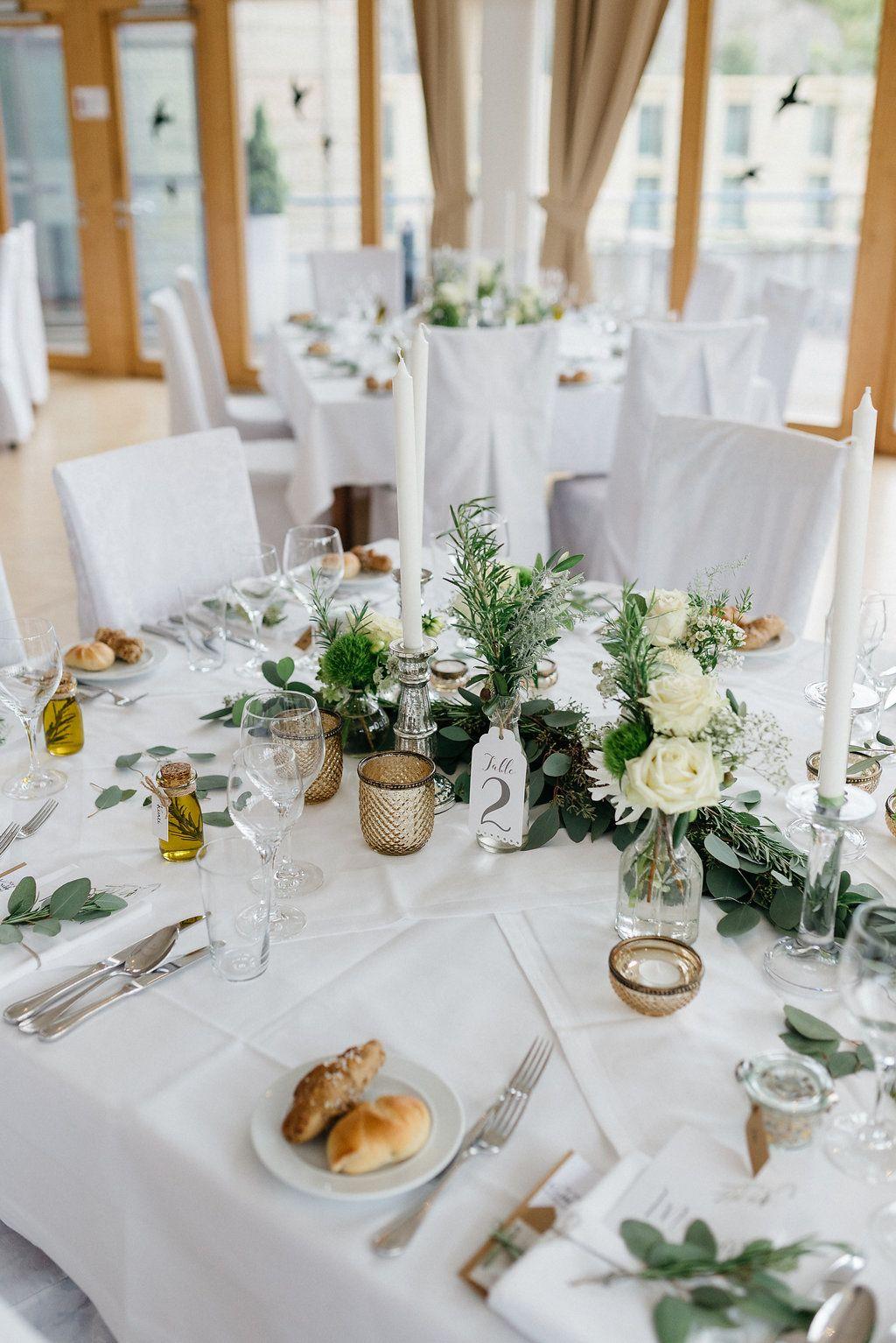 Tischdekoration Fur Hochzeit Im Mediterranen Greenery Stil