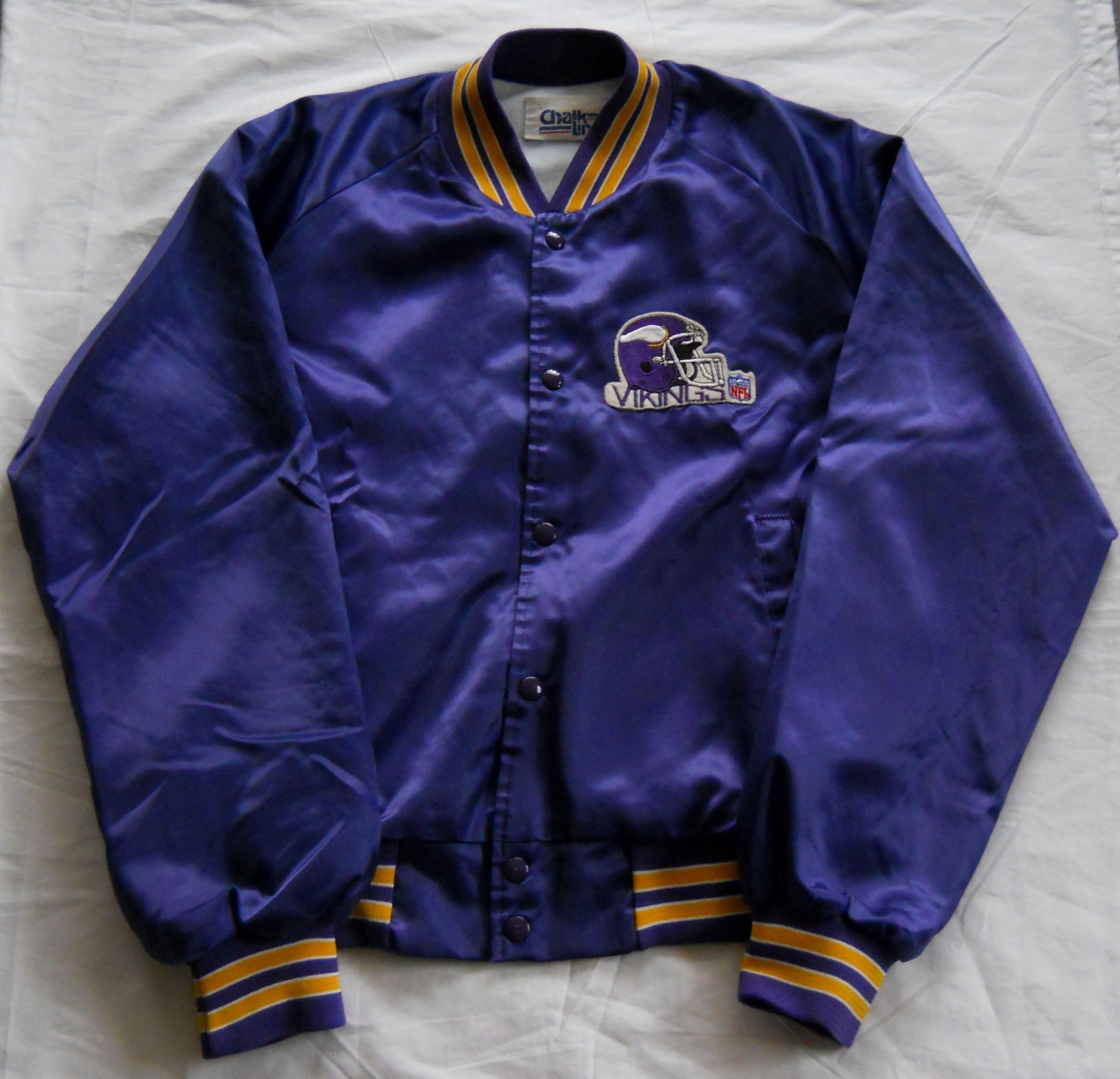 detailed look 12c64 db3a2 Vintage Minnesota Vikings late 80s, early 90s Satin Jacket ...