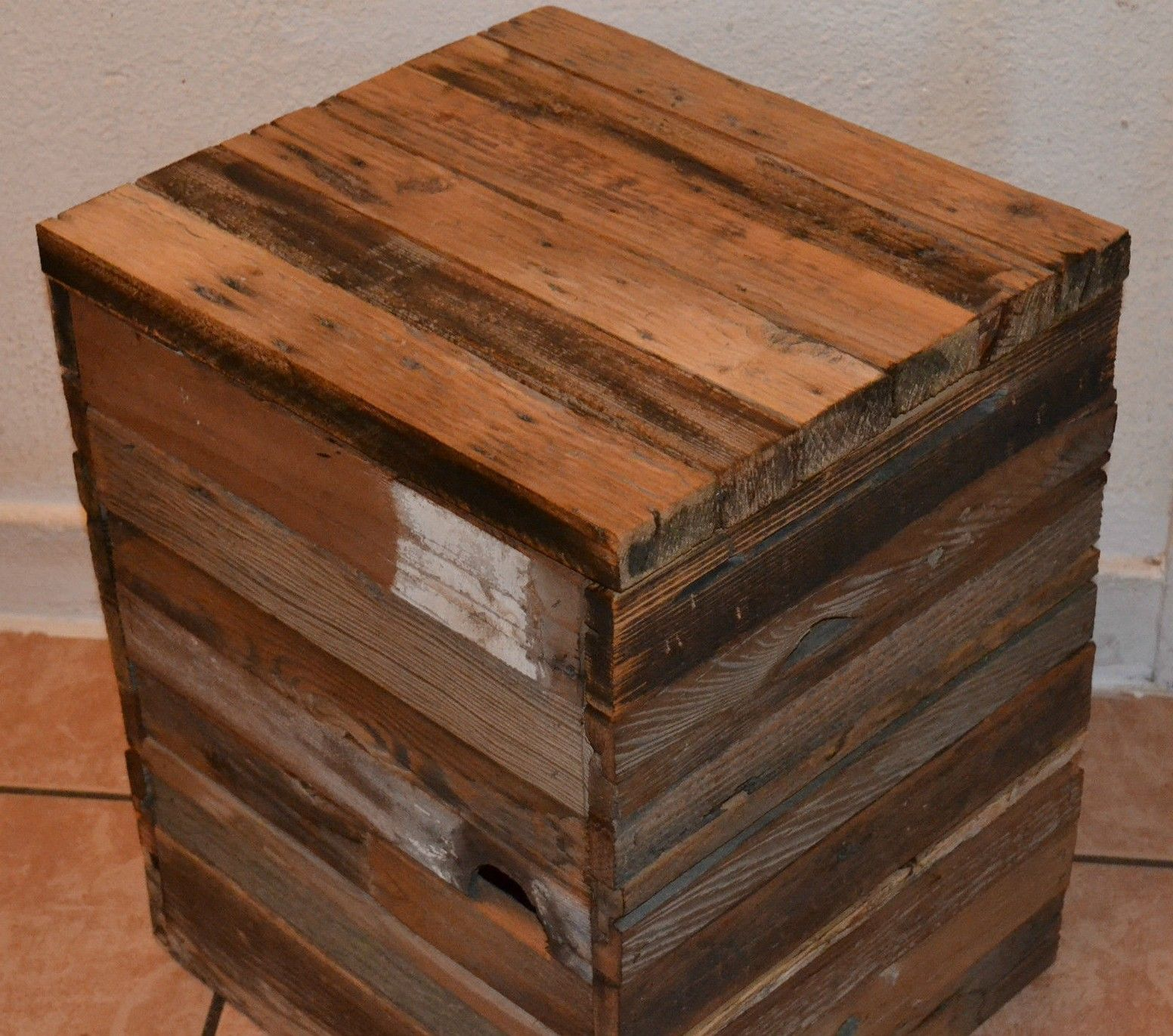 How to make a coffee table out of old wine crates easy diy The