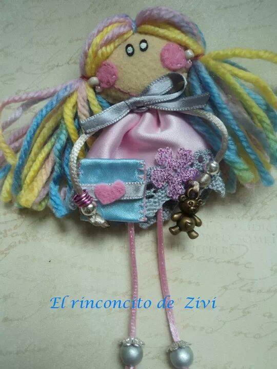muneca broche en color rosa por RinconcitodeZivi en Etsy, €10,00