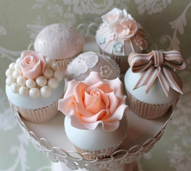 Oh my gosh! These cupcakes are flipping gorgeous.