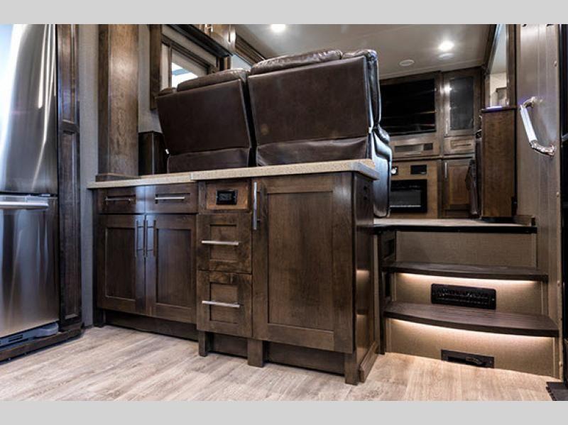 Vilano Fifth Wheel Rv Sales 5 Floorplans Remodeled Campers