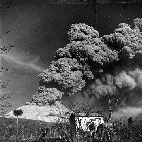 the 1944 eruption of mt vesuvius italy volcanic