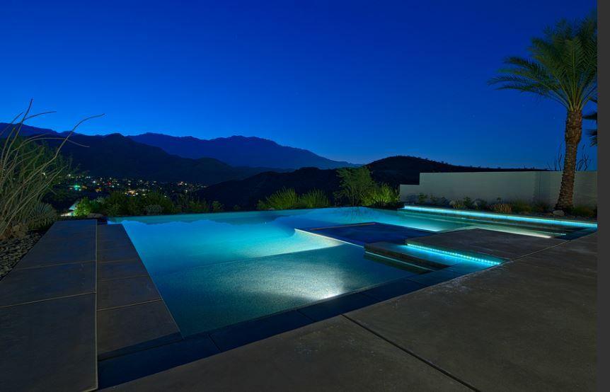 Piscine de luxe pour une r sidence de prestige picine piscines et maison fantaisiste - Maison plain pied deco orientale palm springs ...