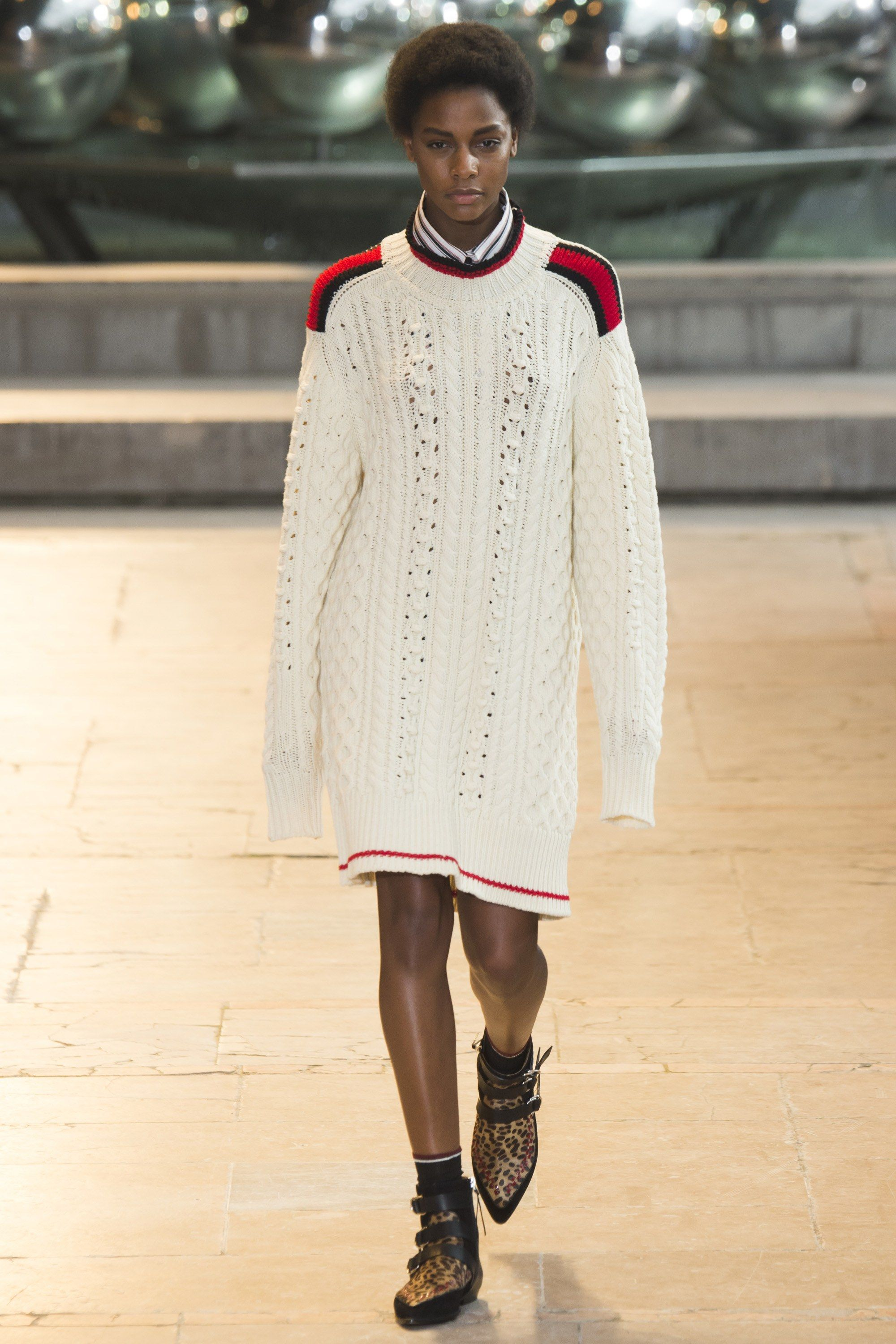 Isabel Marant Fall 2016 Ready-to-Wear Fashion Show - Karly Loyce (Women)