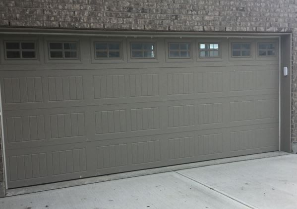 199 Carriage Garage Doors Terra Bronze Stockton 1 4 Lite Windows Fachadas