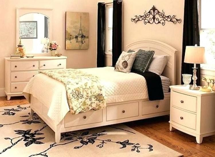 Raymour And Flanigan Platform Bed Bedroom Sets Bedroom Set King Size Bedroom Sets