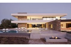 La Quinta Villa by XTEN Architects | www.bocadolobo.com #bocadolobo #luxuryfurniture #exclusivedesign #interiodesign #designideas #luxury #luxuryfurniture #luxurylifestyle #luxuryhouse #luxuryhome #mansion #villa   #GrandMansions #LuxuryHomes #MostExpensiveHomes