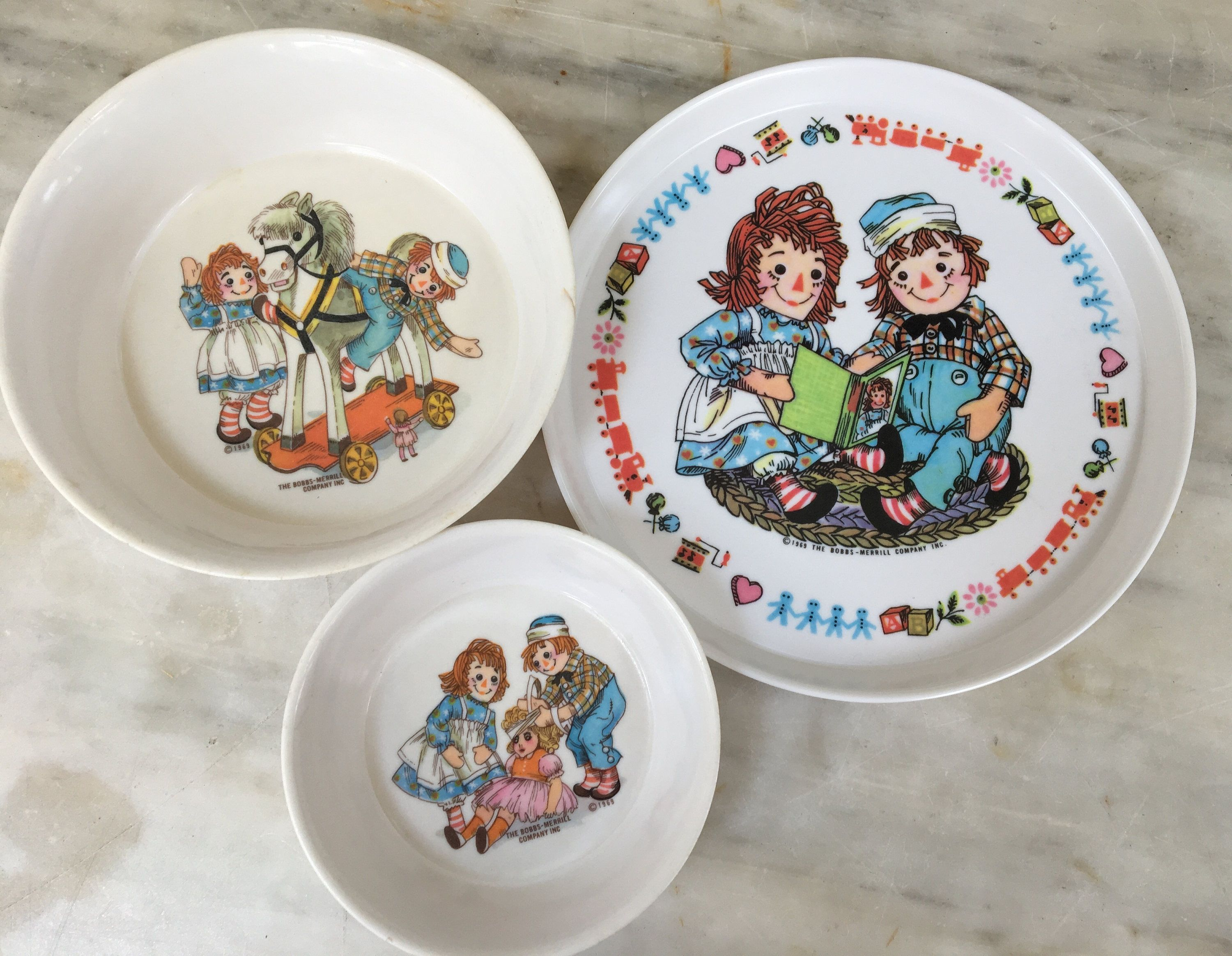 Vintage Raggedy Ann And Andy Child S Plastic Plate Bowls 1969 Bobbs Merrill Company Oneida 3258 3243 By M Childrens Dishes Raggedy Ann Raggedy Ann And Andy