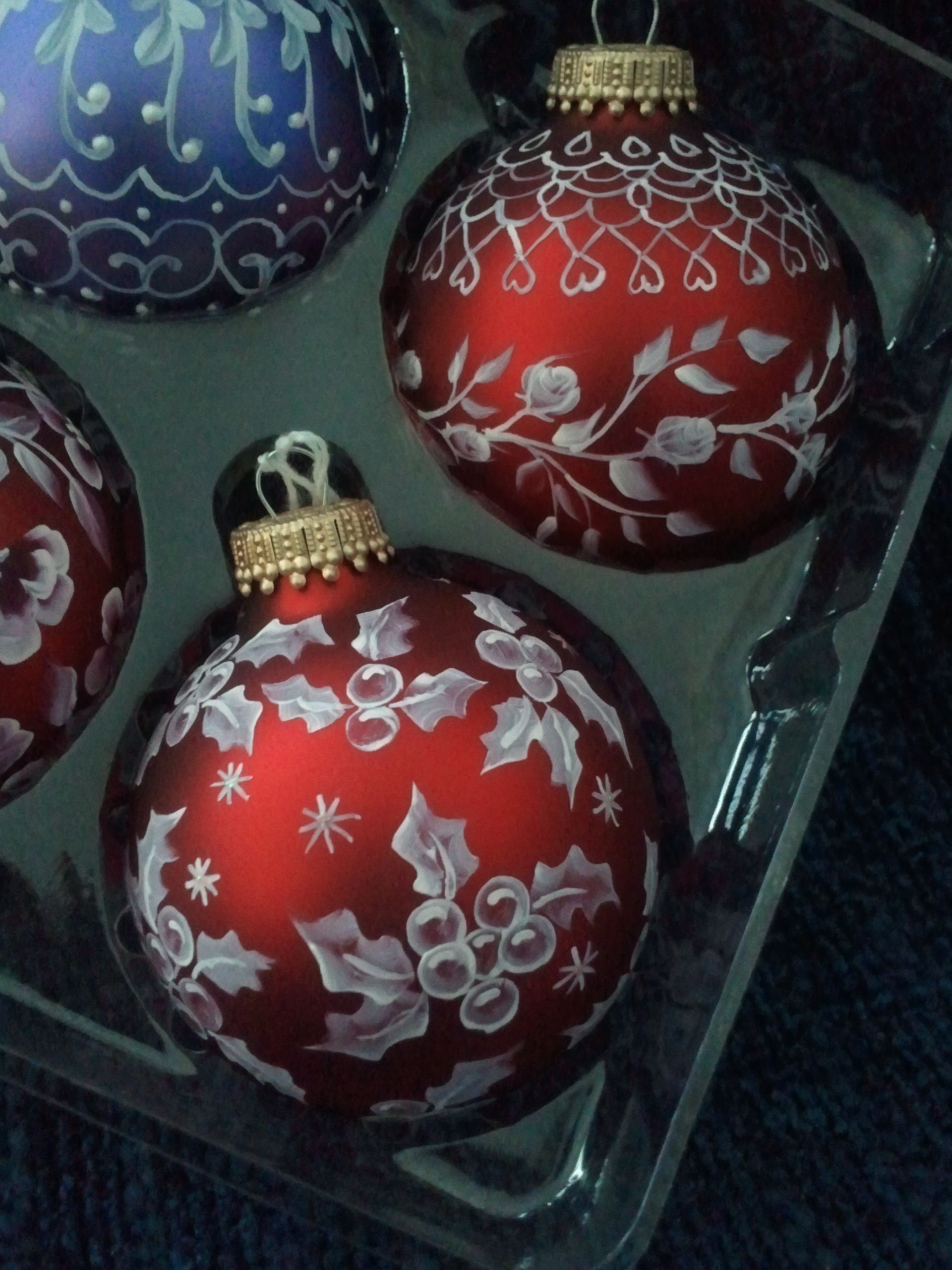 Hand Painted Victorian Look Ornaments Make Great Wedding Gifts Keepsa Painted Christmas Ornaments Handpainted Christmas Ornaments Handmade Christmas Ornaments