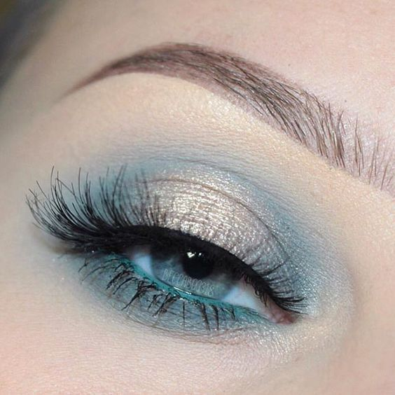 "Daily makeup photos! on Instagram: ""@beccaboo318 with a soft blue eye!"
