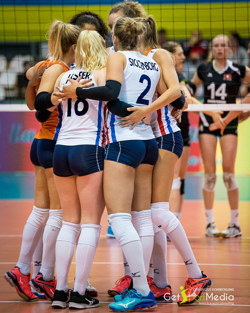 Pin By Rp On Esportes In 2020 Women Volleyball Female Volleyball Players Volleyball Players