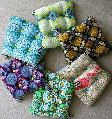 How To Make Chair Cushions Yellow Patterned For One Side And White Or Cream