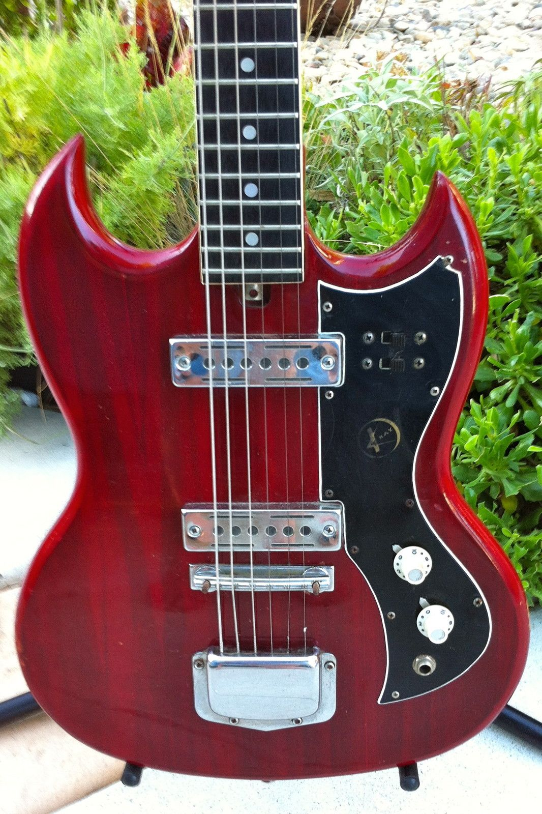 vintage 60 s kay k 2 sg style guitar guitar rack cool guitar beatles guitar [ 1066 x 1600 Pixel ]