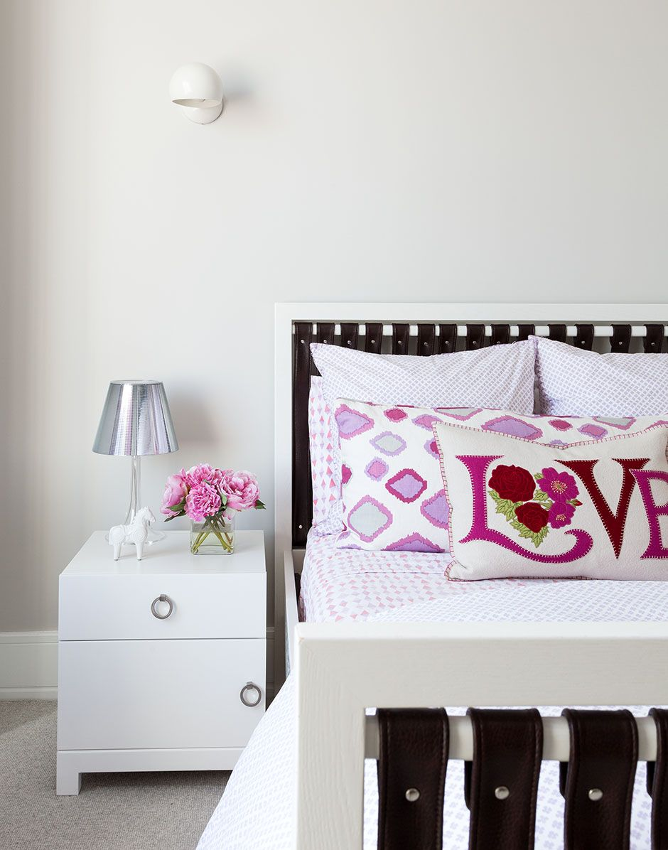 Best All White Bedroom Design With A Dash Of Pink Bella 400 x 300