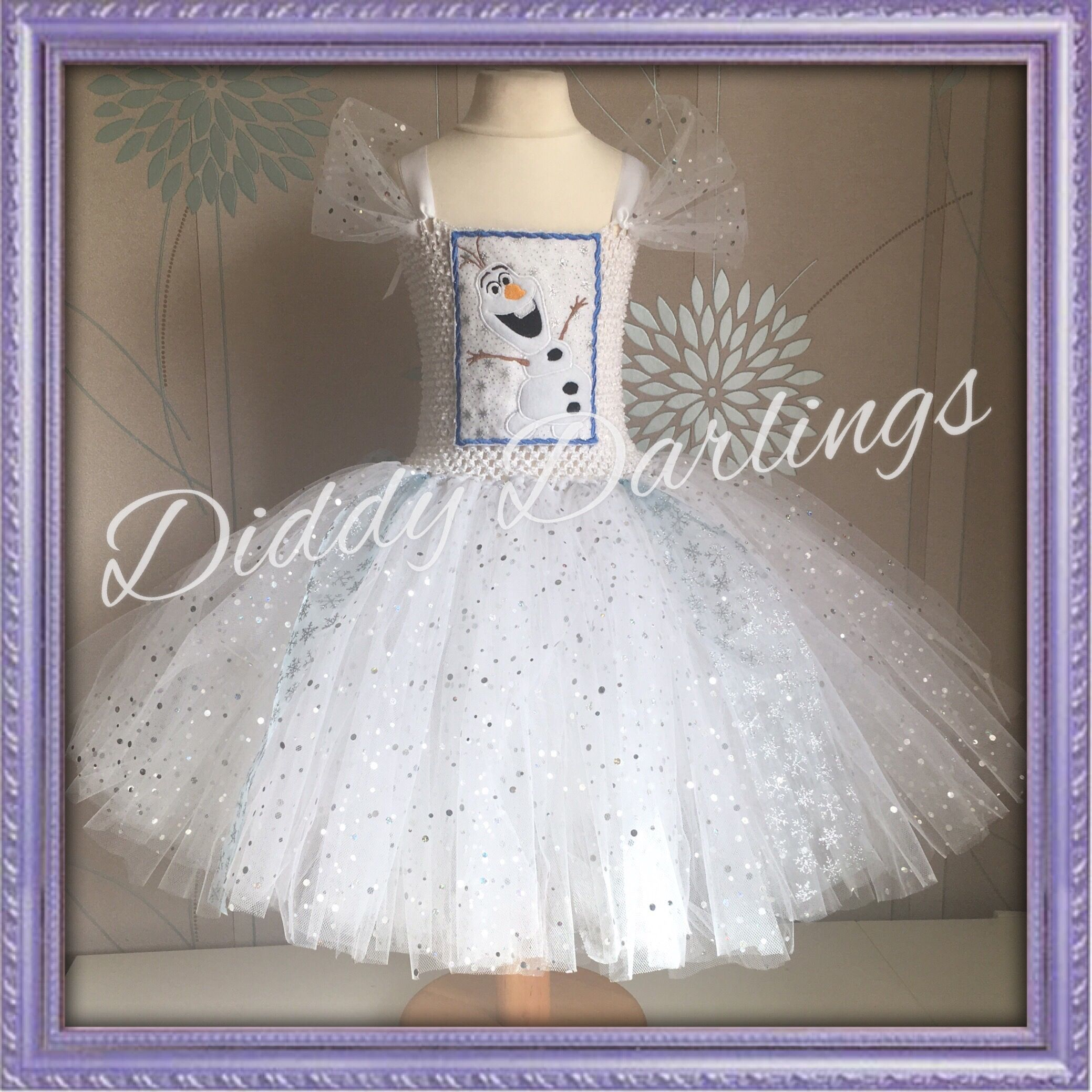 Olaf Tutu Dress. Frozen Tutu Dress. Beautiful & lovingly handmade.  All characters and colours available Price varies on size, starting from £25.  Please message us for more info.  Find us on Facebook www.facebook.com/DiddyDarlings1 or our website www.diddydarlings.co.uk