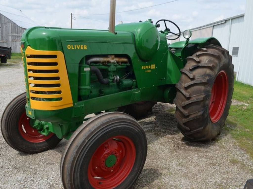 Oliver 88 Lp With Images Oliver Tractors Antique Tractors