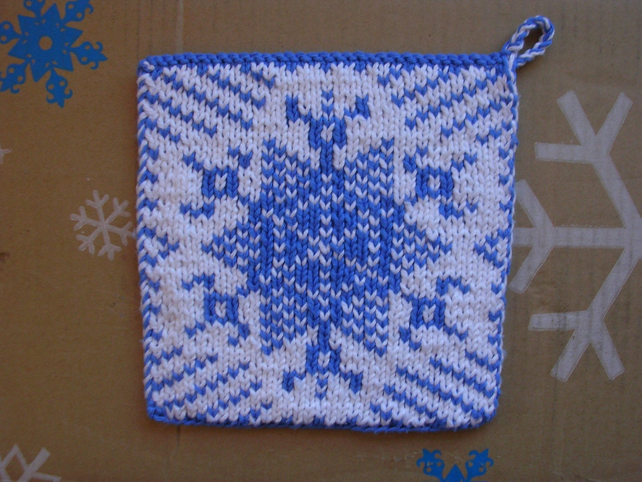 Snowflake Pot Holder double knitting FREE PATTERN by Sue Gregori ...