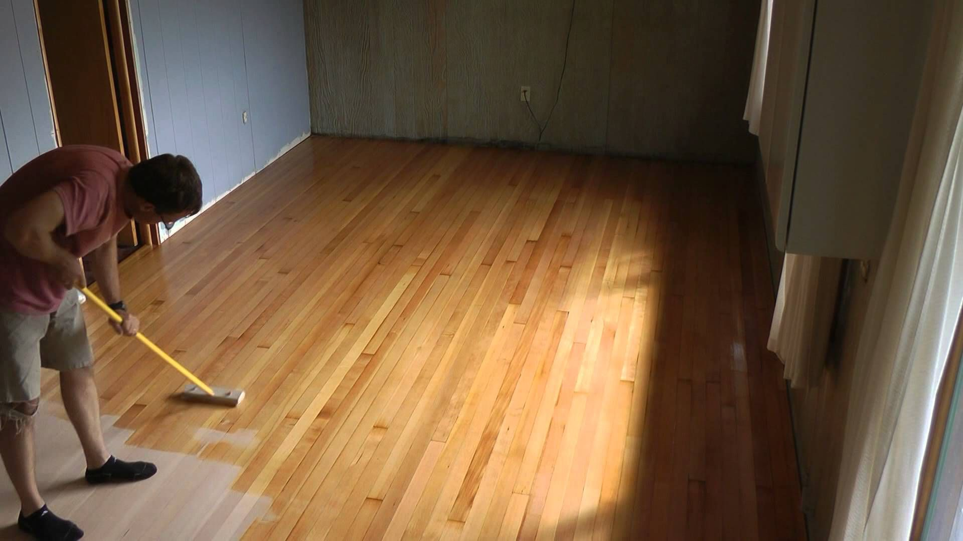 Water Based Varathane Best For Natural Colored Wood Novice Varathane Oil Based Nightmare And Recovery Varathane Wood Stain Staining Wood Flooring