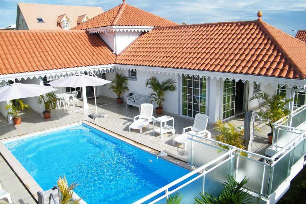 Vue DEnsemble Piscine  Villa Eldouardo  En Martinique