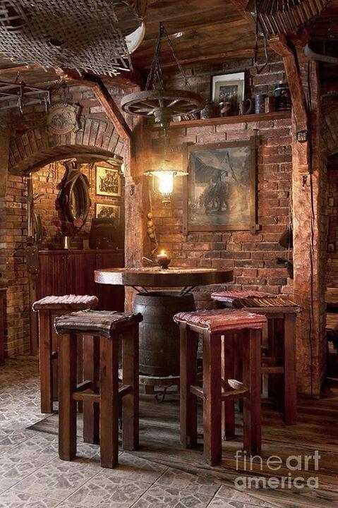 Idee per tavoli sedie e panche da arredamento pub bar ristoranti e giardino briganti for Pub arredamento