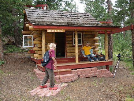 Grandkids Log Cabin Playhouse Diy Crafts