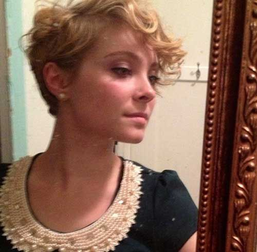 15  Curly Pixie Cut | http://www.short-hairstyles.co/15-curly-pixie-cut.html