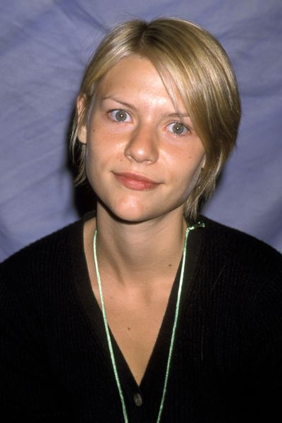 The Makeover Timeline See Claire Danes Hairstyles Through The Years Claire Danes Hair Styles Celebrity Hairstyles