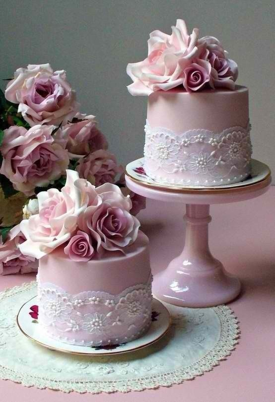 Pretty pink cakes with roses