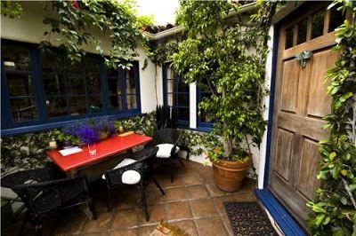 Como decorar patios peque os ideas dise o y paisajismo - Decorar patios pequenos ...