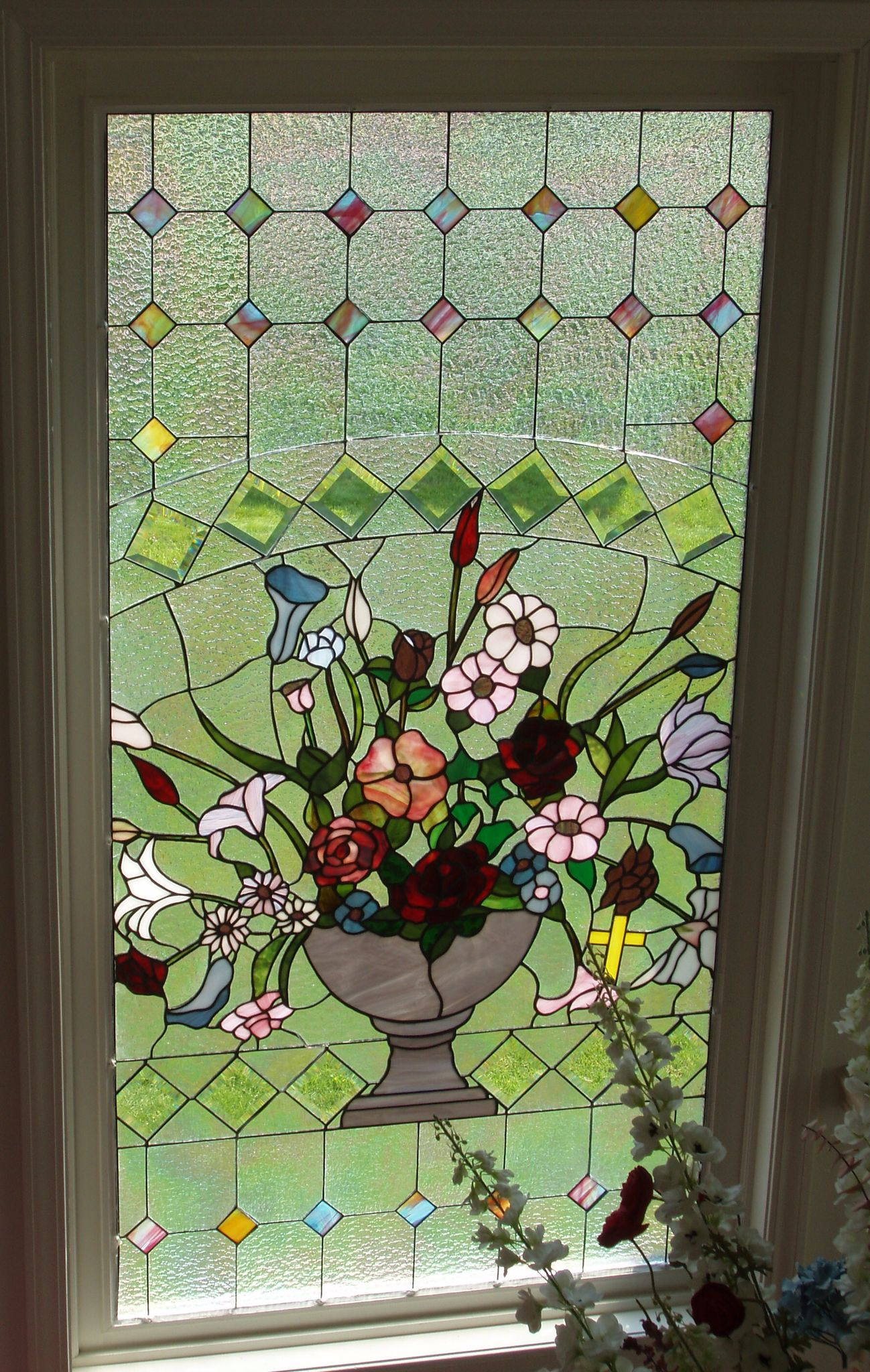 Floral Stained Glass Window Custom Designed For A Funeral Home Long Island Custom Stained Glass Www L Pintura En Vitral Disenos De Vitrales Ventanas De Vidrio