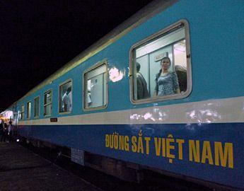 Soft sleeper car on train SE3 at Dieu Tri