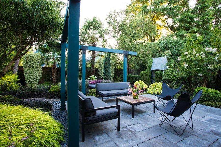 Make Your Garden Tropical With These Tropical Garden Design Ideas Backyard Garden Design Small Backyard Gardens Tropical Garden