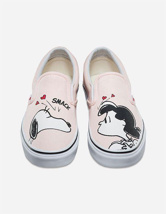700e36ba16db VANS x PEANUTS Smack Womens Classic Slip-On Shoes