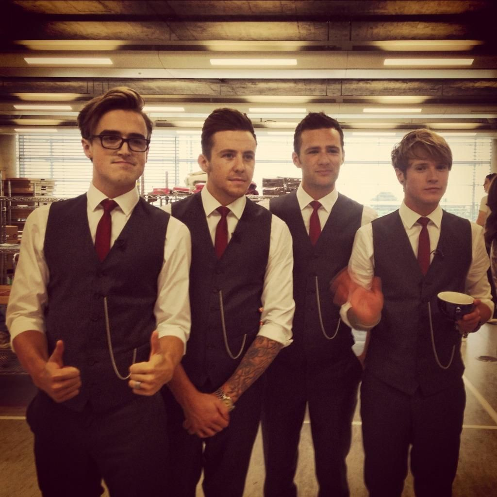 At a signing of Unsaid Things Mcfly band, Mcfly, Tom