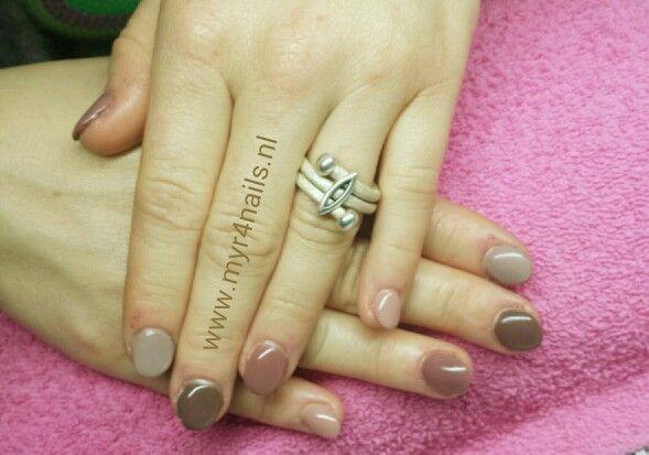 echte bijt nagels, toch nog iets leuks van gemaakt.....